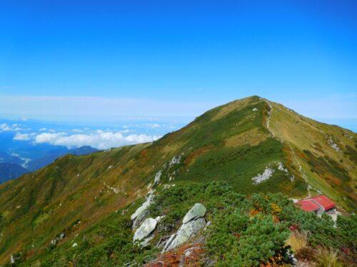 大日小屋と大日岳